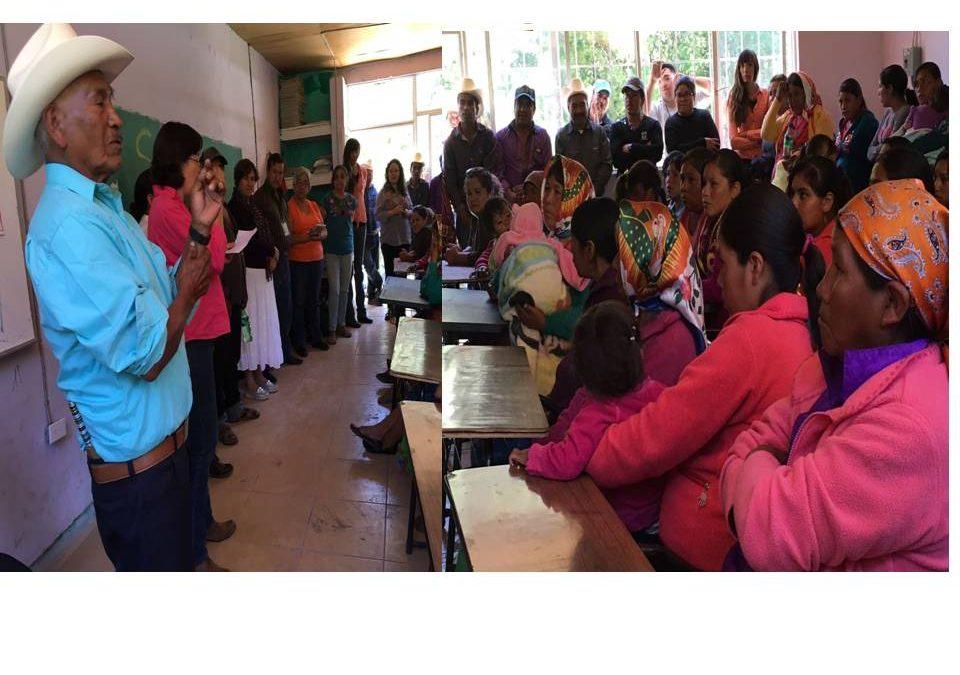 Comunidad Odami de Mala Noche en Guadalupe y Calvo recibe a funcionarias de gobierno estatal y dialoga sobre sus problemas en educación y salud