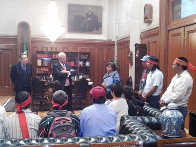 Gobernadores tarahumaras exponen violación a derechos ante la Corte